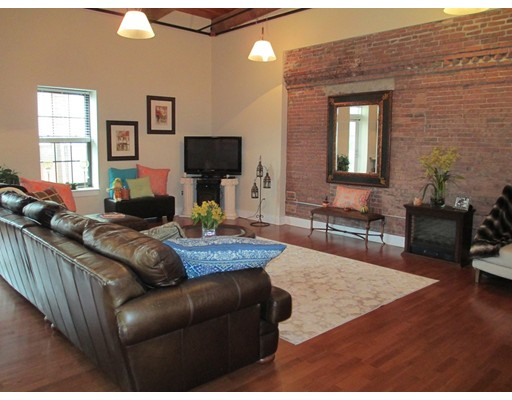 Picture 3 of 4 Powder Mill Square Unit 107 Andover Ma 1 Bedroom Condo