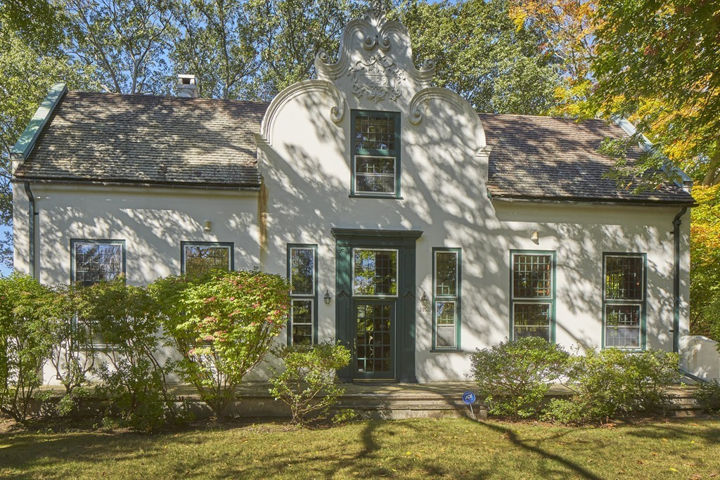 285 Goddard Ave, Brookline, Massachusetts