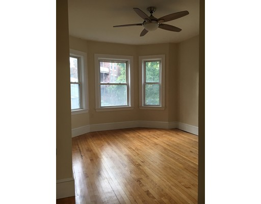 19 Park View St, Boston, MA 02121