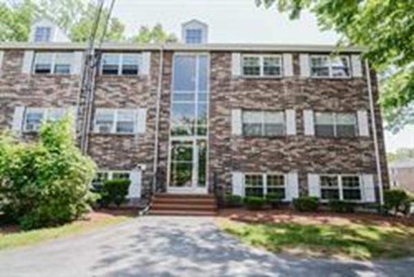 75 Edgelawn Avenue Unit 2, North Andover, Massachusetts