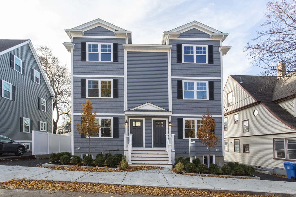 15 ORANGE STREET Unit 1, Waltham, Massachusetts
