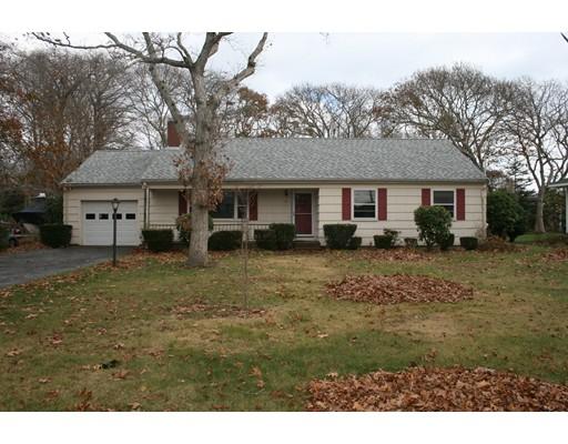 61 Green Harbor Rd, Falmouth, Massachusetts