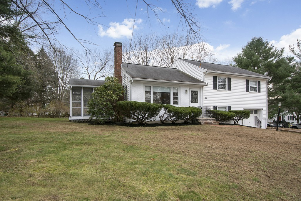 10 Colonial Rd, Hingham, Massachusetts