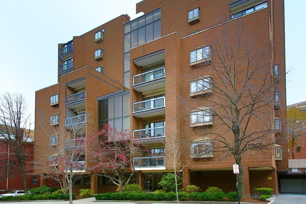 1265 Beacon Street Unit 604, Brookline, Massachusetts