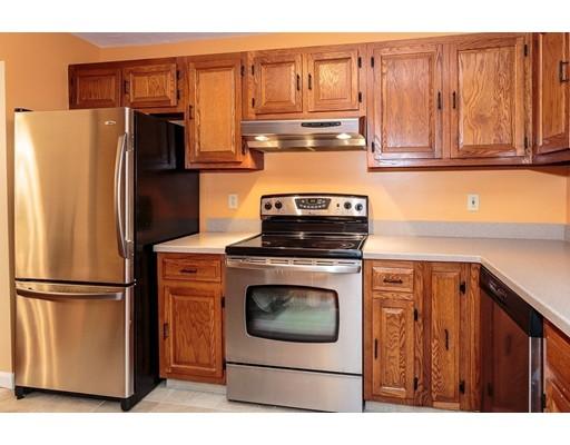 Picture 2 of 110 Fellsview Rd, Unit 112 Stoneham Ma 2 Bedroom Condo