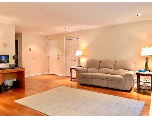Picture 10 of 110 Fellsview Rd, Unit 112 Stoneham Ma 2 Bedroom Condo