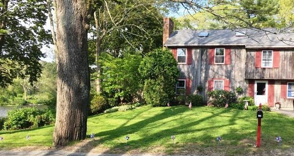 709 County Rd, Bourne, Massachusetts