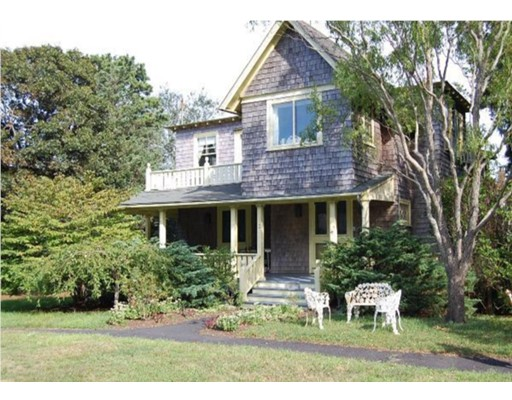 Photo: 10 Prospect Park, Oak Bluffs, MA