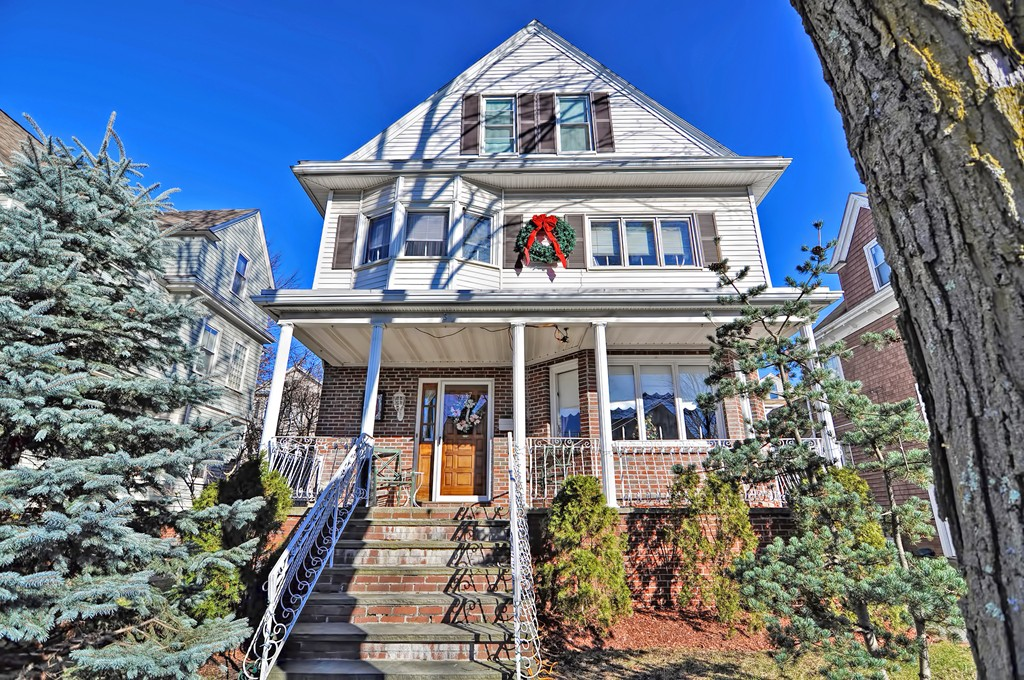 137 Powder House Blvd, Somerville, Massachusetts