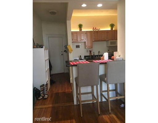 55 Queensberry St, Boston, MA 02215