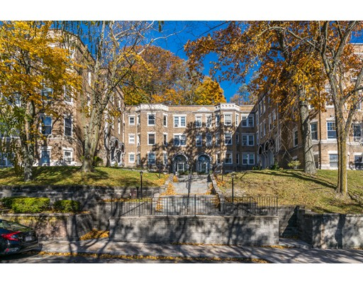 15 Westbourne Ter Unit 1, Brookline, Massachusetts