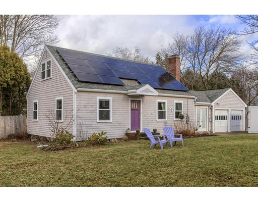 Picture 13 of 34 Hull St  Beverly Ma 3 Bedroom Single Family