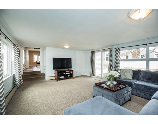 Picture 4 of 1 Donegal Circle  Danvers Ma 3 Bedroom Single Family