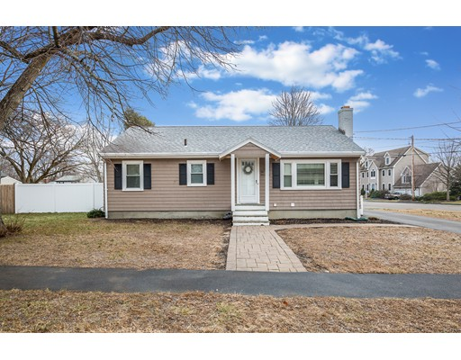 Picture 8 of 1 Donegal Circle  Danvers Ma 3 Bedroom Single Family