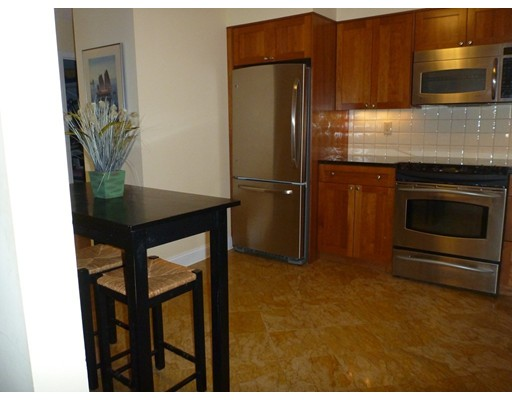 Picture 3 of 125 Coolidge Ave Unit 204 Watertown Ma 2 Bedroom Condo