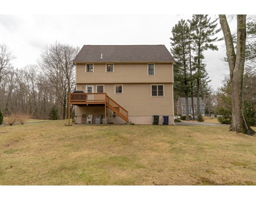 Picture 3 of 6 Gatehouse Lane  Wilmington Ma 4 Bedroom Single Family