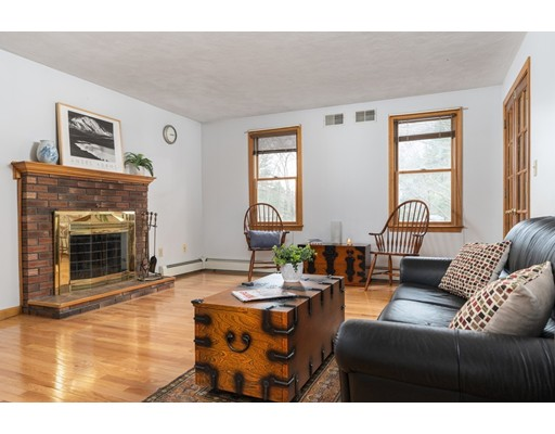 Picture 8 of 6 Gatehouse Lane  Wilmington Ma 4 Bedroom Single Family