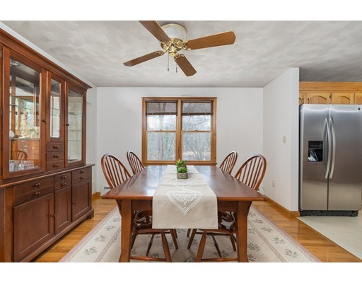 Picture 12 of 6 Gatehouse Lane  Wilmington Ma 4 Bedroom Single Family