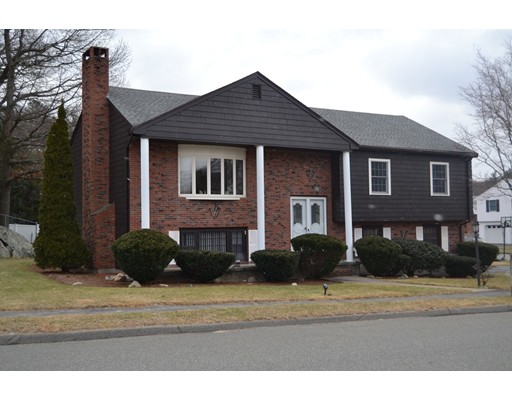 Picture 4 of 11 Crystal Dr  Stoneham Ma 3 Bedroom Single Family