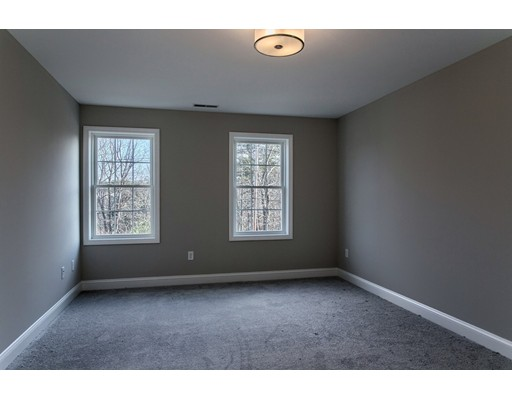 Picture 10 of 91 Sesame St  Dracut Ma 4 Bedroom Single Family