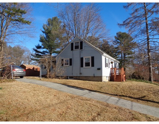 Picture 2 of 18 Wilson St  Beverly Ma 3 Bedroom Single Family