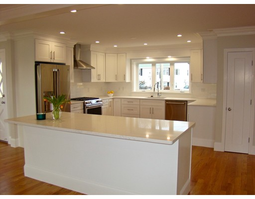 Picture 10 of 84 Knollwood Rd  Quincy Ma 4 Bedroom Single Family
