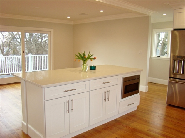 Picture 4 of 84 Knollwood Rd  Quincy Ma 4 Bedroom Single Family