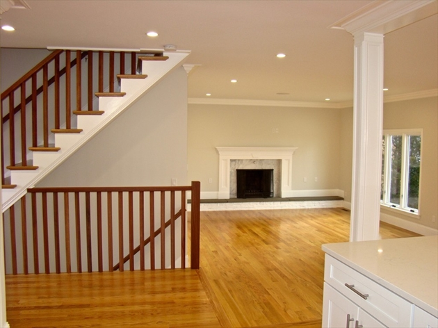 Picture 5 of 84 Knollwood Rd  Quincy Ma 4 Bedroom Single Family