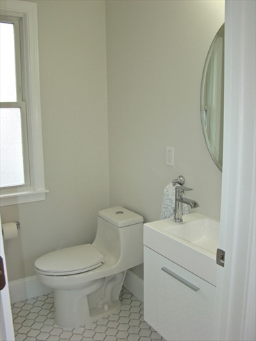 Picture 6 of 84 Knollwood Rd  Quincy Ma 4 Bedroom Single Family