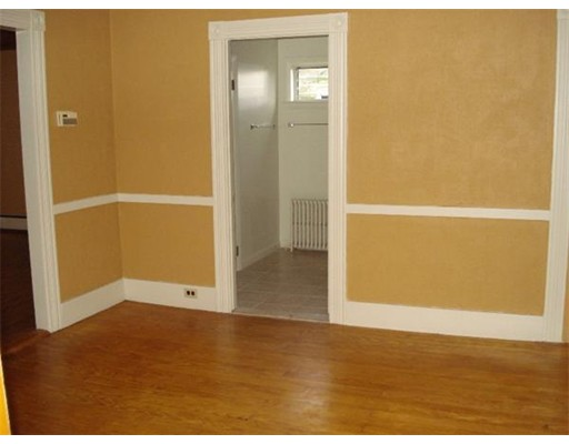 Picture 5 of 175 N Main St  Natick Ma 3 Bedroom Single Family