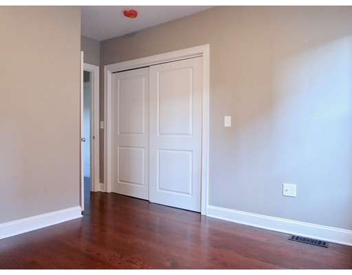 Picture 11 of 8 Chestnut St Unit 2 Beverly Ma 3 Bedroom Condo