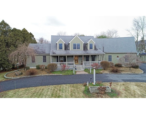 Photo: 274 Purchase St, Milford, MA