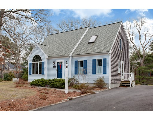 Photo: 4 Spectacle Pond Dr, Falmouth, MA
