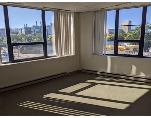 810 Memorial Dr, 2nd floor - Cambridge, MA
