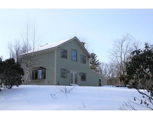 Cranberry Meadow Rd, Spencer, MA 01562