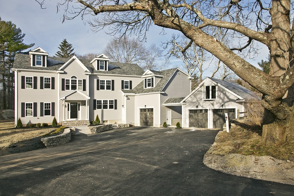 32 Cross St, Hingham, Massachusetts