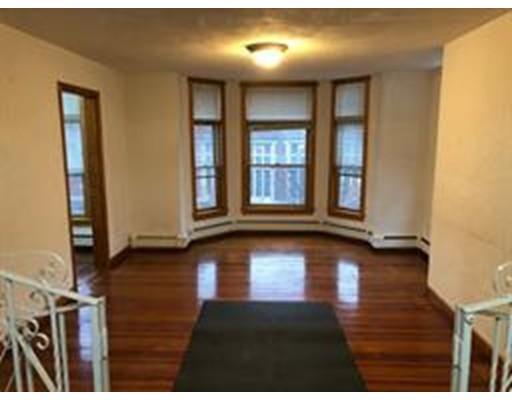 172 Webster St, Boston, MA 02128