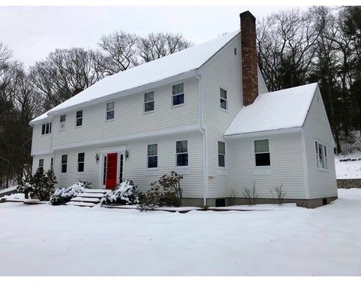 281 North St, Medfield, MA 02052