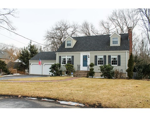 Picture 1 of 18 Tennyson Circle  Reading Ma  4 Bedroom Single Family#