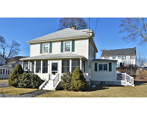 Picture 2 of 46 Ellis St  Woburn Ma 4 Bedroom Single Family