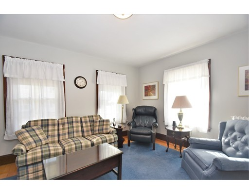 Picture 5 of 46 Ellis St  Woburn Ma 4 Bedroom Single Family