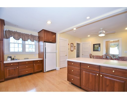 Picture 9 of 46 Ellis St  Woburn Ma 4 Bedroom Single Family