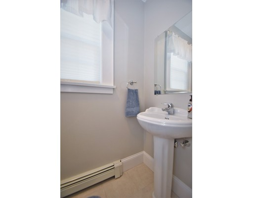 Picture 11 of 46 Ellis St  Woburn Ma 4 Bedroom Single Family
