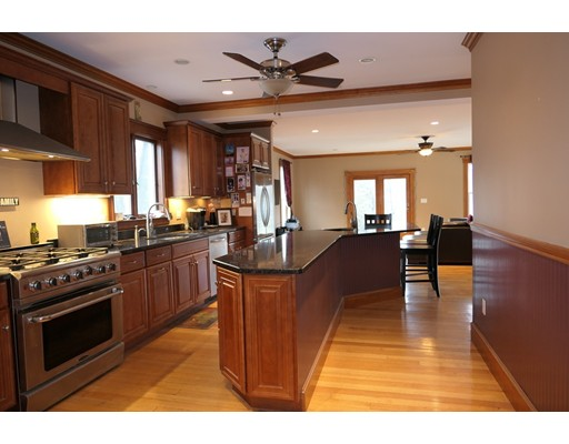 Picture 3 of 21 Shumway Cir  Wakefield Ma 5 Bedroom Single Family