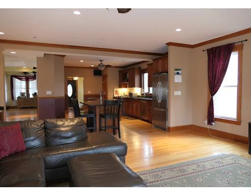 Picture 6 of 21 Shumway Cir  Wakefield Ma 5 Bedroom Single Family