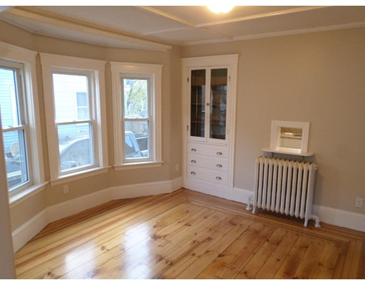 Picture 3 of 28 New St  Haverhill Ma 4 Bedroom Single Family