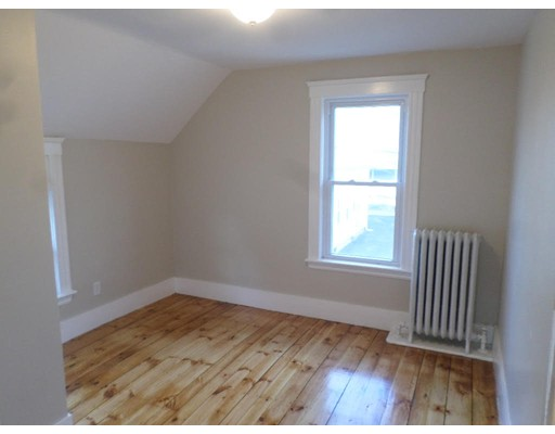 Picture 12 of 28 New St  Haverhill Ma 4 Bedroom Single Family