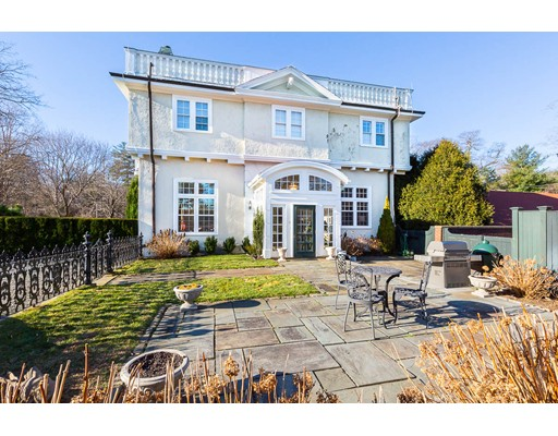 Photo: 11 Thissell St, Beverly, MA