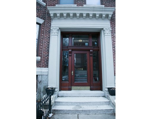 19 Alton Unit 1, Brookline, Massachusetts