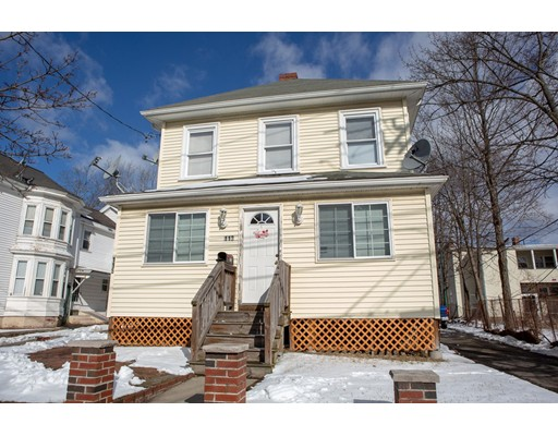 Russell St, Waltham, MA 02453